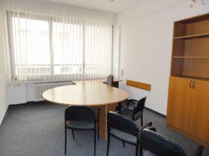 30 m2 a 35 m2 samostatné kancelárie