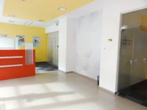 159 m2 - administratívno -obchodný priestor s výkladom do ulice