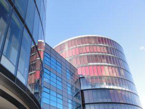 50 m2 - 100 m2 - 200 m2 až po 900 m2 - nová, moderná budova