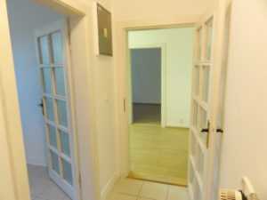 55 m2-samostatný priestor vhodný na bývanie (alebo kancelárie)