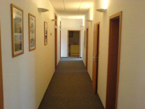 22 - 27 a 37 m2 - kancelárie v menšom adm. objekte