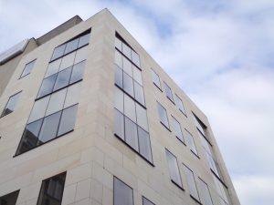 210 m2 - moderný, administratívny priestor s terasami (60 m2)