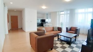 135 m 2 a 140 m2 – tichý priestor na bývanie,alebo administratívu v centre mesta