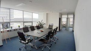207 m2 - 226 m2 (alebo celé podlažie 443 m2 )- samostatné, moderné adm. celky