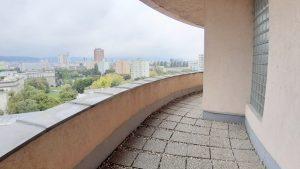 66 m2, alebo 110 m2 – tiché kancelárie s výhľadom na mesto